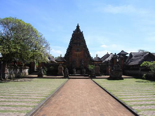 Batuan-temple1